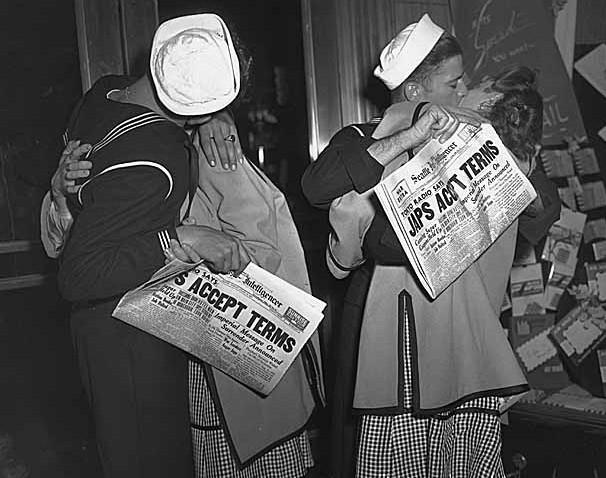 Nice girls, sailors